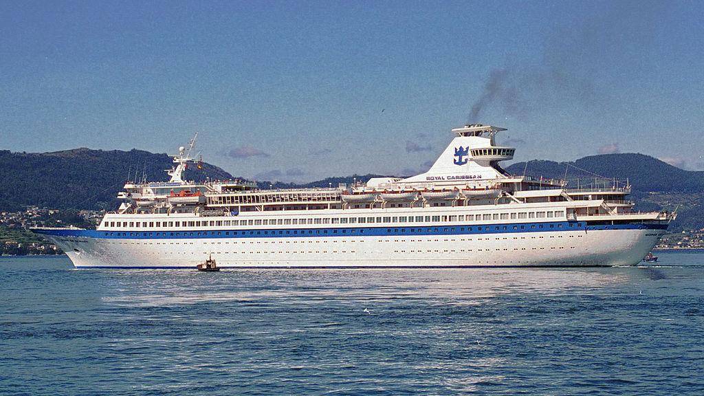 MS Song of Norway leaving Vigo, Spain on 19 September 1994