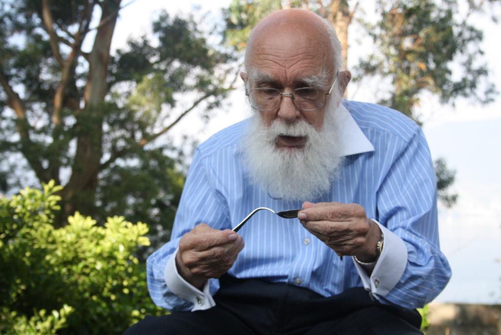 James Randi in Neuromagic 2011