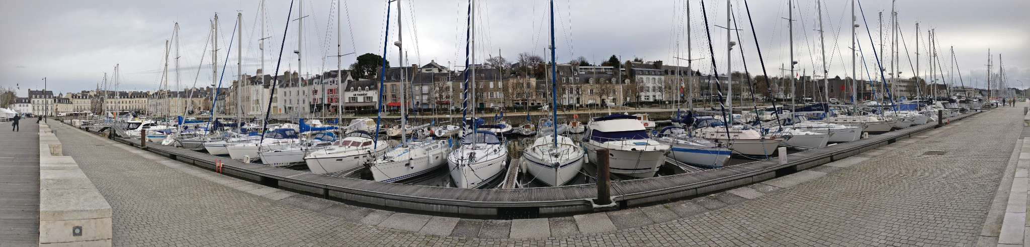 Panoramic of the Port-de-Vannes, with the famous Place Gambetta in the left