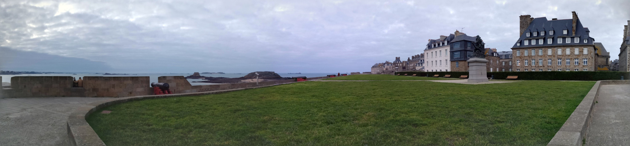 Panoramic on top of the Jardin des Petit Murs, Saint-Malo